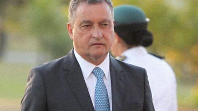 Rui Costa governador Petista da Bahia disse que não adianta abrir mais UTI's porque isso incentiva aglomeração