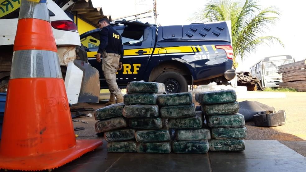 PRF encontra 35 quilos de cocaína em carroceria e pneu estepe de carros em RO
