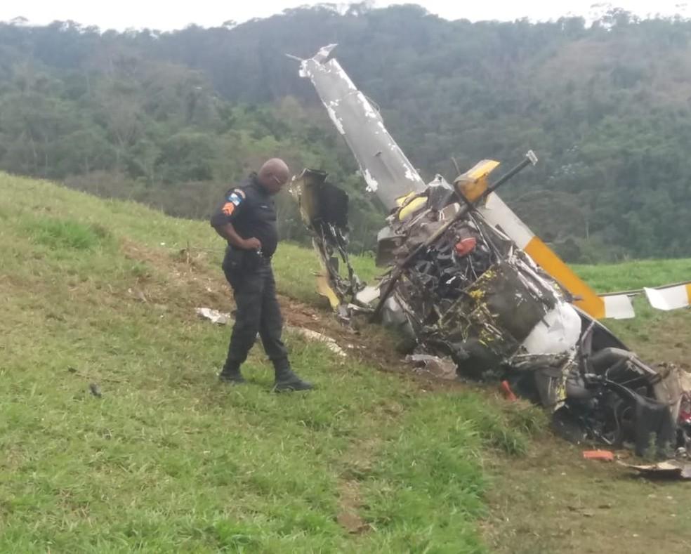 Tragédia: Helicóptero cai no Rio de Janeiro e mata duas pessoas