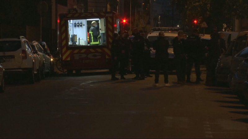 Padre é baleado em Lyon e governo francês emite alerta de segurança