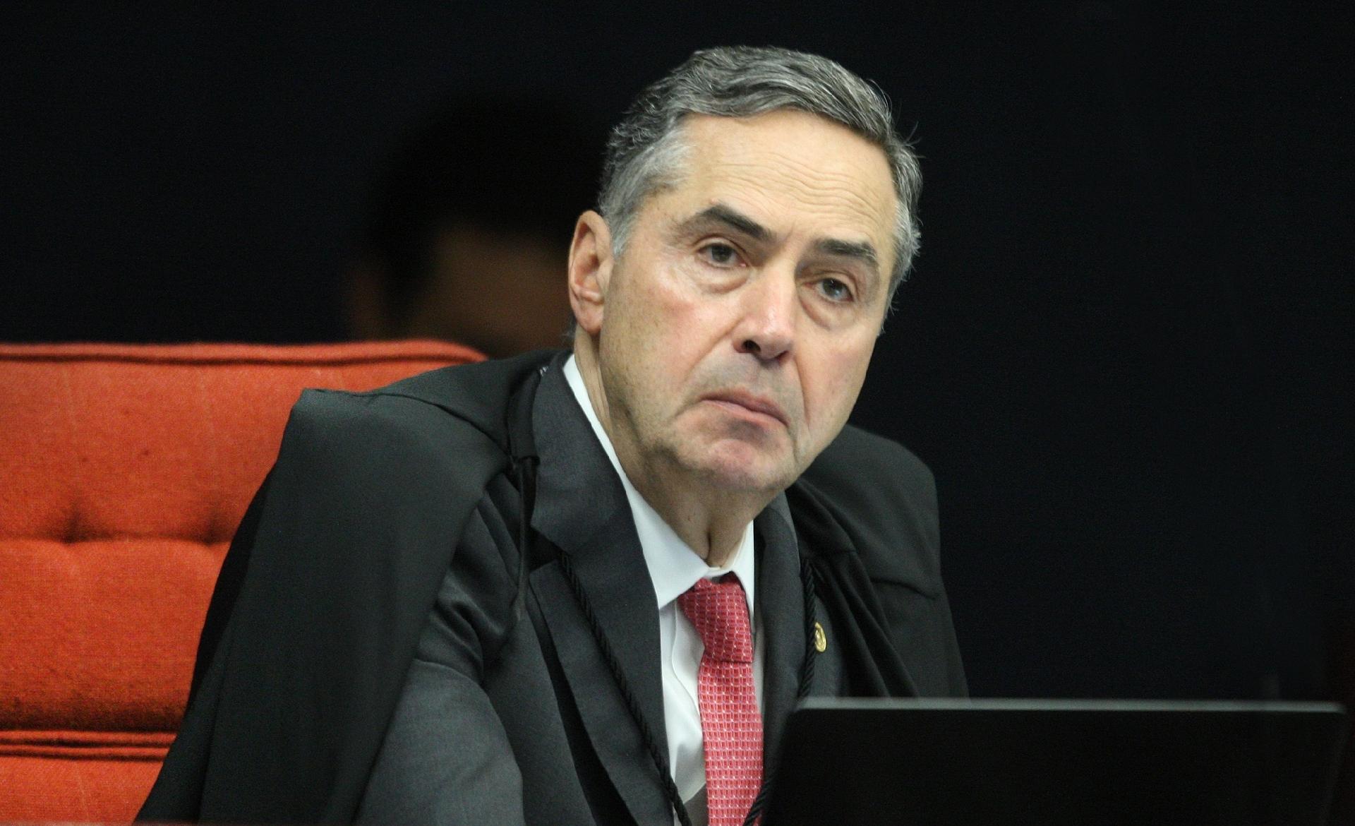 BARROSO PEDE A FUX PARA LEVAR AFASTAMENTO DE CHICO RODRIGUES AO PLENÁRIO DO STF