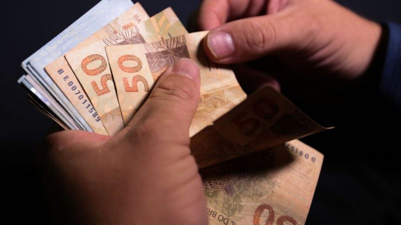 Rombo das contas externas nos dez primeiros meses do ano diminui 82%, diz Banco Central