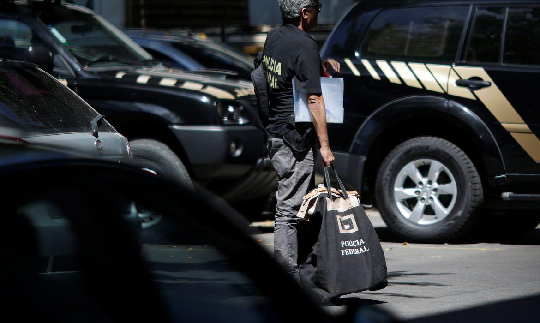PF cumpre mandados em quatro estados na maior operação contra fraudes no auxílio emergencial