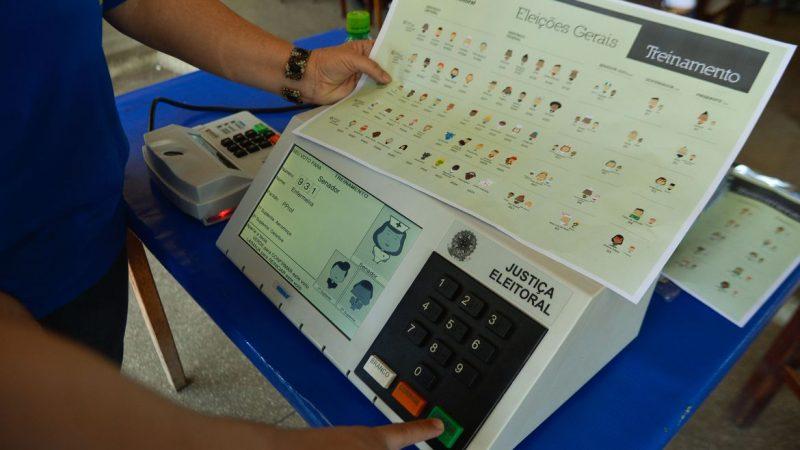 Bolsonaro diz que vai comprovar fraudes nas eleições na live de quinta-feira (29)