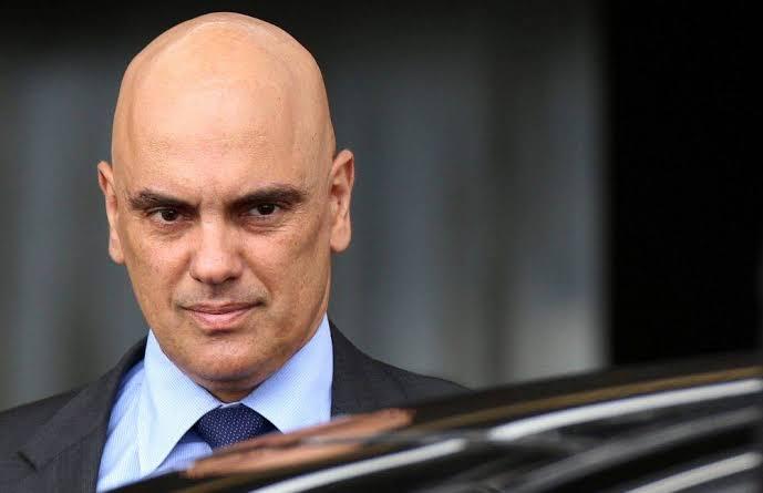 Após Bolsonaro avisar que não iria depor, Alexandre de Moraes prorroga inquérito por 60 dias