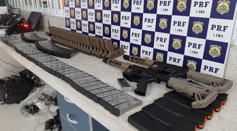 Homem é preso pela PRF transportando 'arsenal de guerra' em ônibus na Bahia