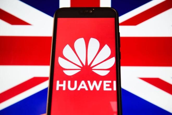 Reino Unido reforça proibição da tecnologia 5G da Huawei