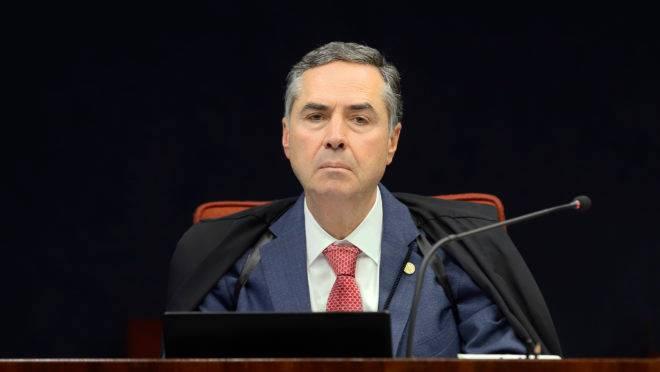 Barroso paralisa mais 3 processos no TSE após suspensão de trecho da Lei da Ficha Limpa