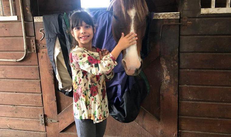 Brasileira de 9 anos é convidada para sociedade de gênios nos Estados Unidos
