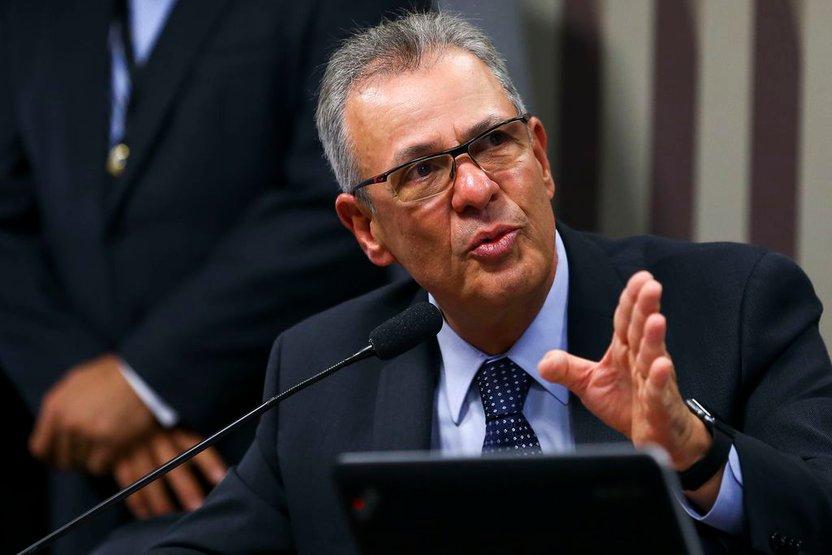 Bolsonaro vai ao Amapá e ministro apresentará em 15 dias um plano nacional para setor energético