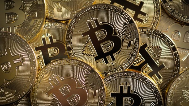 Biticoin despenca 13% após forte alta nas últimas semanas