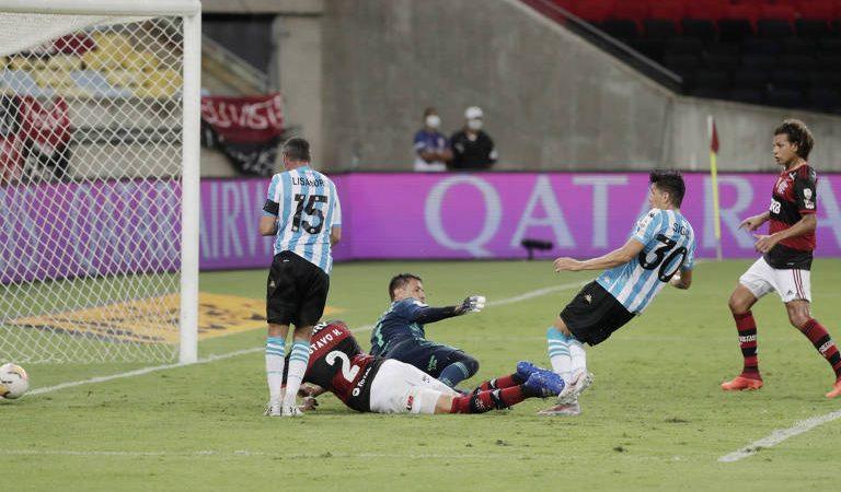 Flamengo perde nos pênaltis para o Racing e está eliminado da Libertadores