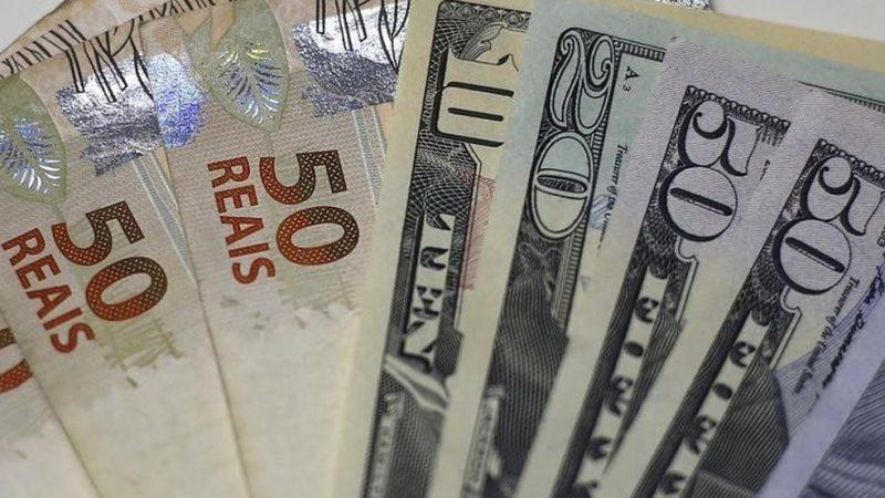 PIB em alta faz dólar cair e operar em R$ 5,20
