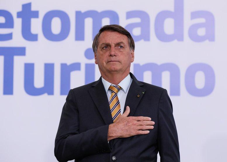 """Bolsonaro em discurso, disse que há ameaça a liberdade; """"temos uma preocupação muito maior, garantir a nossa liberdade, tão ameaçada nos últimos tempos"""""""