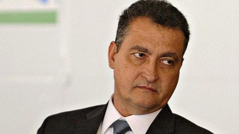 Rui Costa 'foge' de Salvador após descobrir visita de Bolsonaro