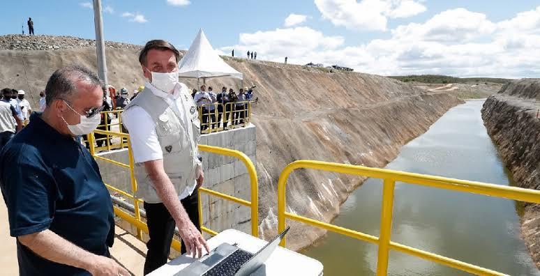 """Problema pra esquerda: Bolsonaro quer água em todo o Nordeste e Rogério Marinho acredita que a região será um oásis; """"a região da Califórnia chove um terço do Nordeste e é riquíssima"""", VEJA O VÍDEO"""