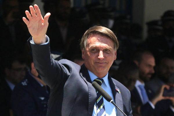 """Bolsonaro confirma que """"está quase tudo certo"""" para novo auxílio"""
