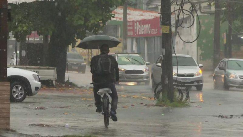 Chuva deixa o Rio em estágio de atenção
