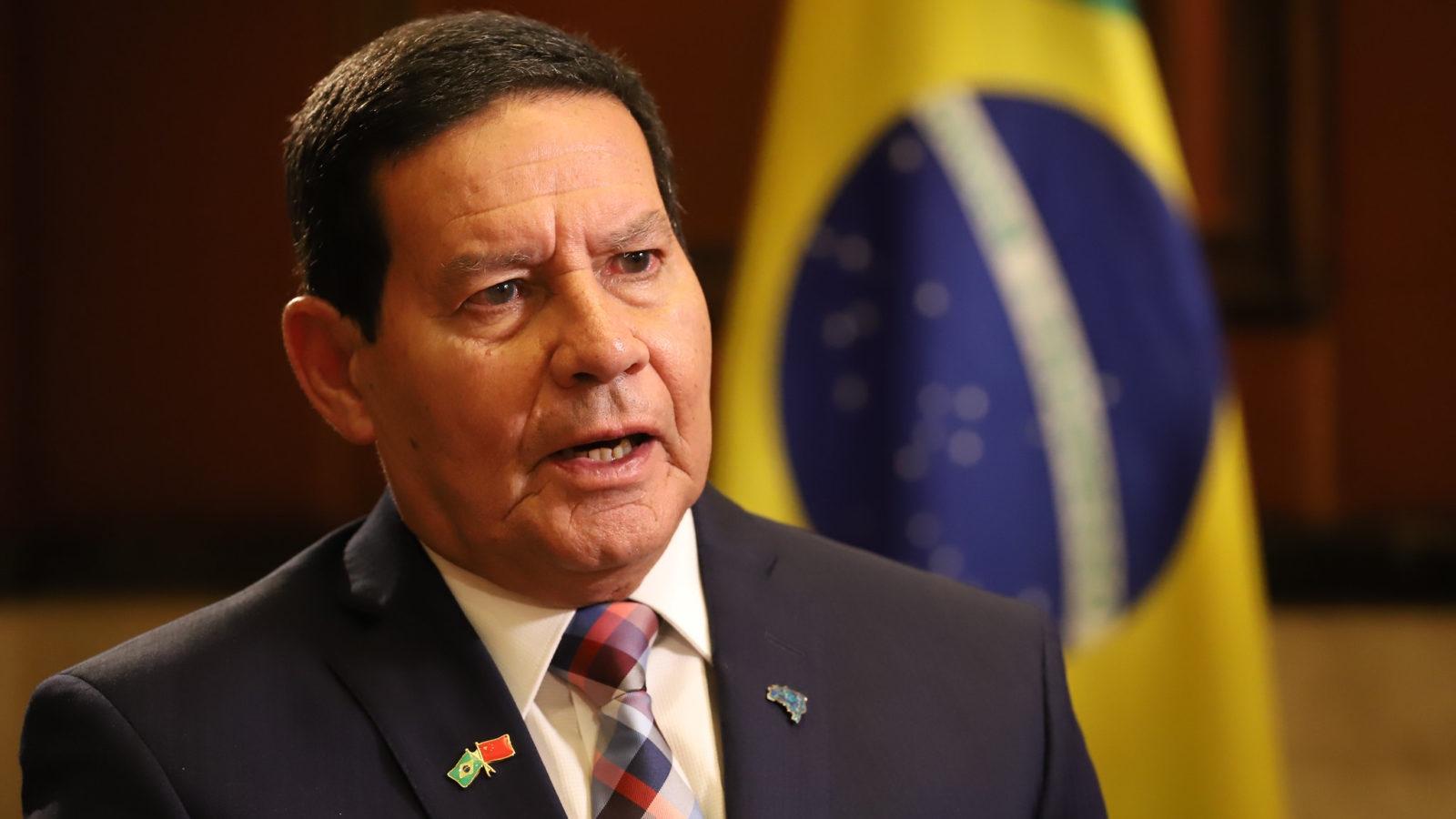 Vice-presidente Hamilton Mourão testa positivo para a Covid-19