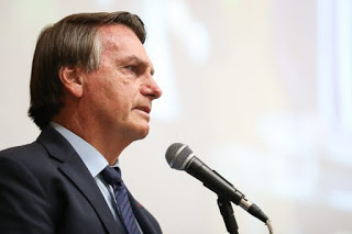"""Bolsonaro a estados e municípios: """"Se fecharem de novo, governo não tem como socorrer"""""""