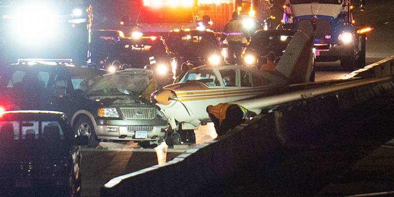 Avião faz pouso de emergência em estrada movimentada nos EUA; VEJA VÍDEO