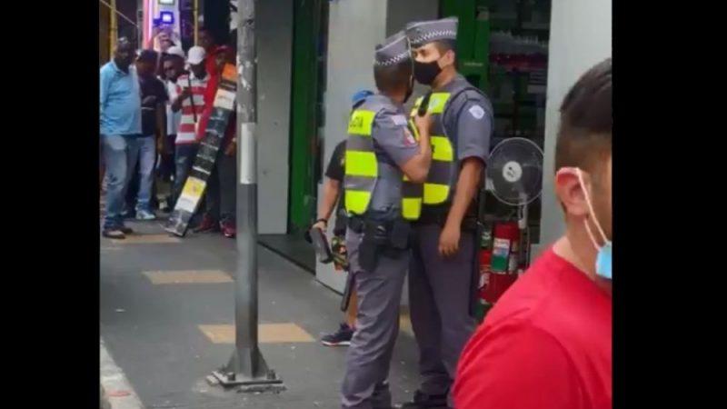PMs brigam no centro de São Paulo: 'Colega' saca arma e bota na cabeça de seu 'parceiro de farda'; VEJA VÍDEO