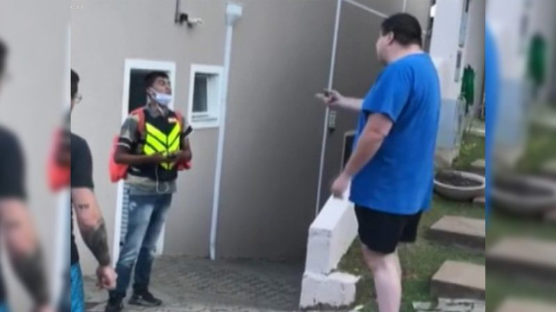 MP denuncia à Justiça morador de condomínio em SP que fez ofensas a entregador