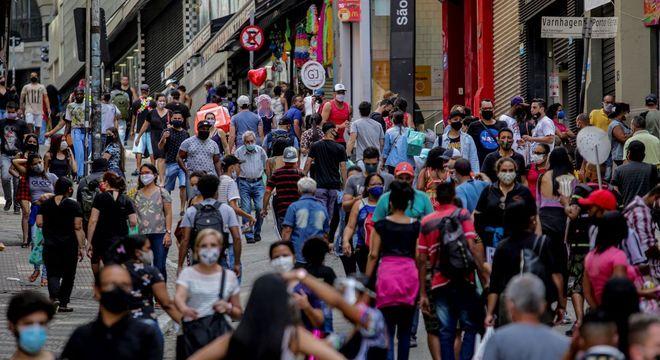 Vendas no comércio brasileiro sobem pelo 4º mês seguido e batem recorde da série histórica