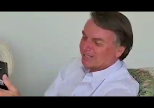 Bolsonaro revê sua professora da infância após 56 anos e se emociona; VEJA VÍDEO