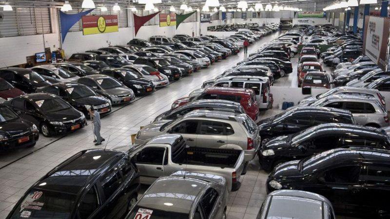 Alta do ICMS imposta pelo governo Doria compromete venda de veículos usados em SP