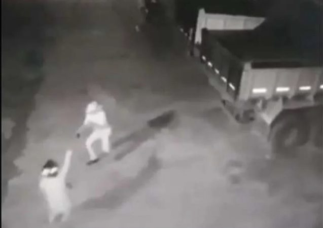 Idoso de 76 anos reage a assalto, mata um bandido e deixa outro ferido; VEJA VÍDEO