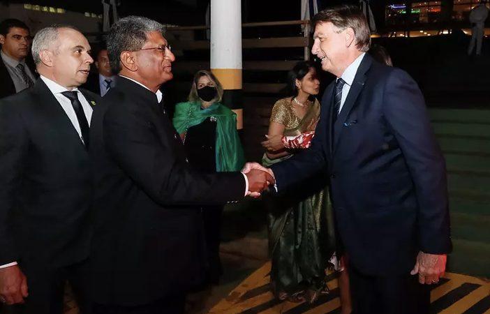 Bolsonaro vai à festa do Dia da Índia