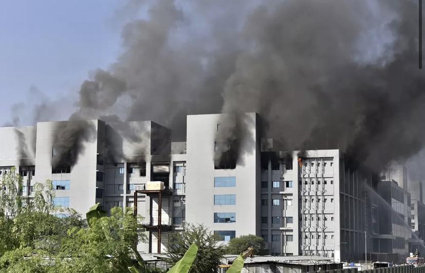 Cinco pessoas morrem em incêndio em fábrica da vacina de Oxford na Índia