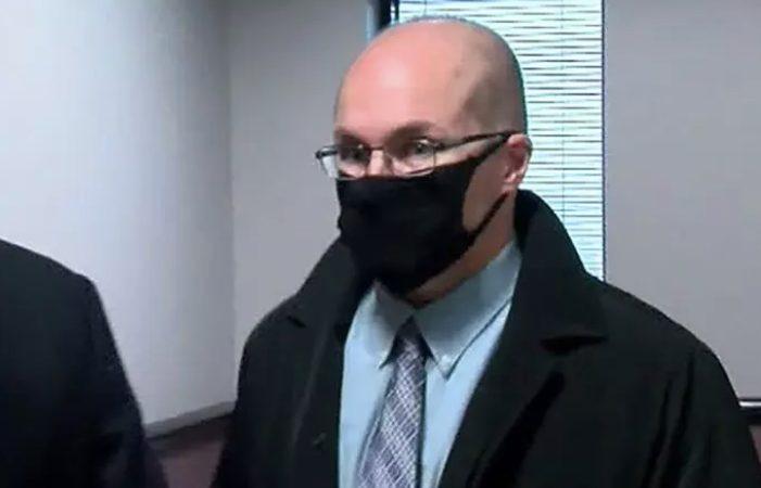Farmacêutico confessa ter danificado vacinas e pode pegar 10 anos de prisão