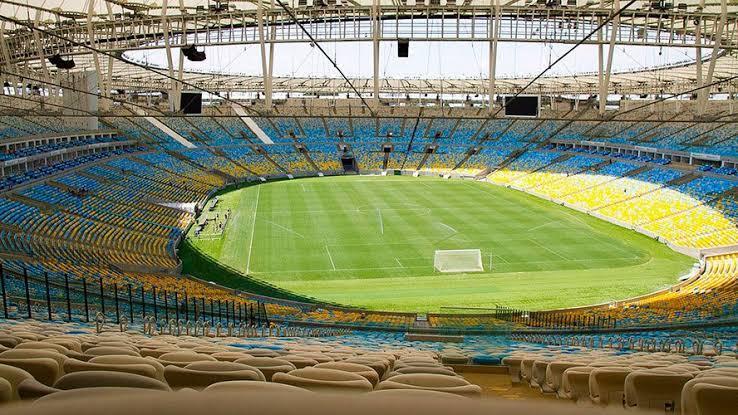 Prefeitura do Rio e governo do estado liberam público em estádios de futebol