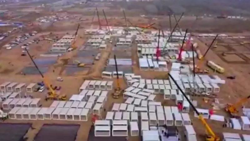 """China constrói """"campo de quarentena gigante"""" de Covid-19 para 4 mil pessoas"""