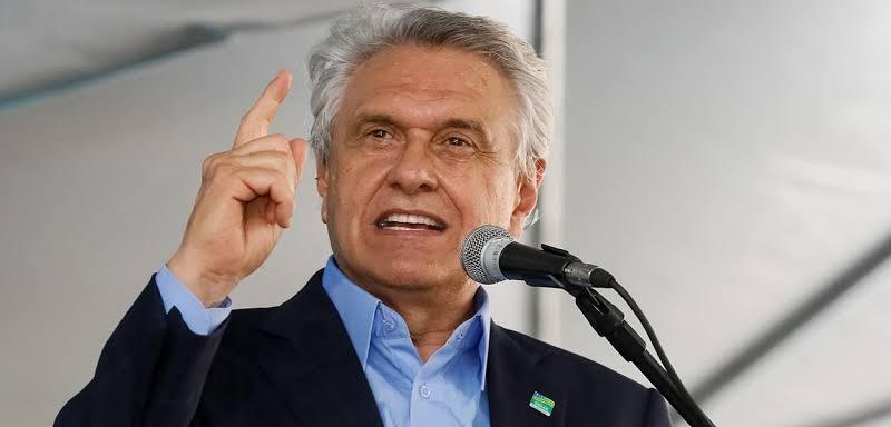 Após Zema, Caiado também sanciona lei que garante vacinação não obrigatória em Goiás