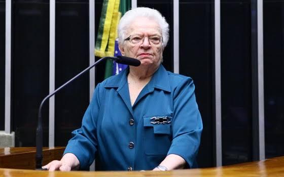"""PSOL lança Luiza Erundina como candidata à presidência da Câmara: """"Alguém que dê início ao impeachment de Bolsonaro"""""""