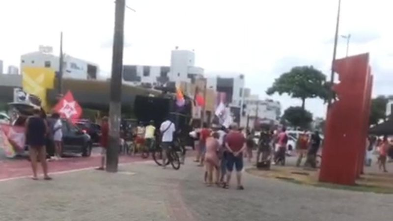 O movimento #forabolsonaro não emplacou, sem adesão popular, ficou por conta de alguns militantes
