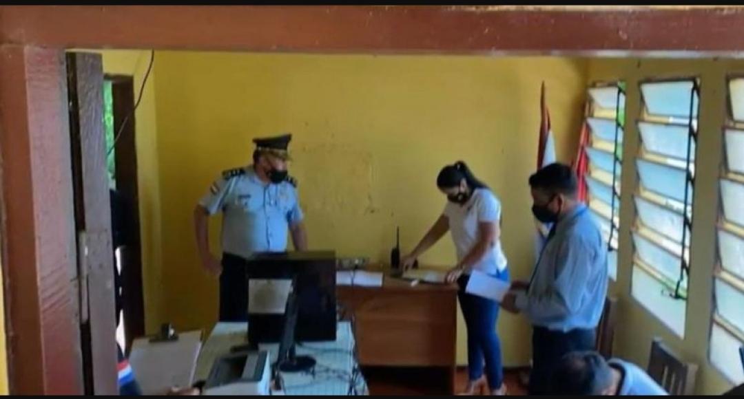 Policiais paraguaios são presos acusados de sequestrar casal de brasileiros