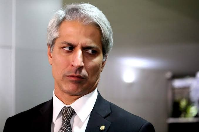 Oposição a Bolsonaro vê oportunidade de diminuir sua popularidade com erro do governo amazonense