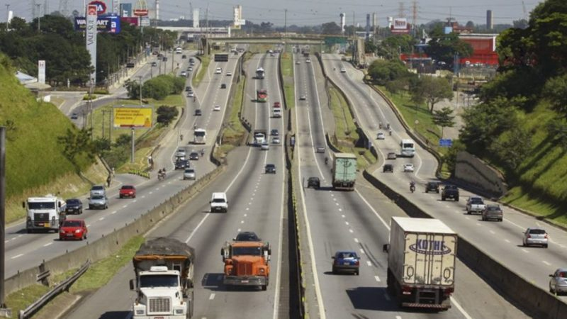Justiça de SP e Paraná proíbem bloqueio da Rodovia Presidente Dutra