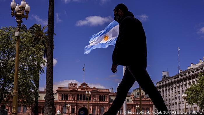 Covid-19: Argentina decreta toque de recolher após aumento de casos