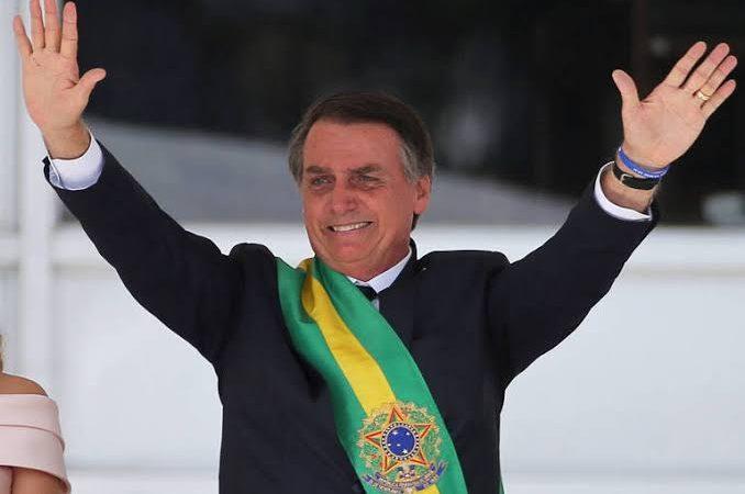 Bolsonaro volta a dizer que foi eleito em 1º turno