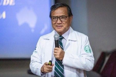 Morre pediatra Anthony Wong, defensor de tratamento precoce contra Covid-19