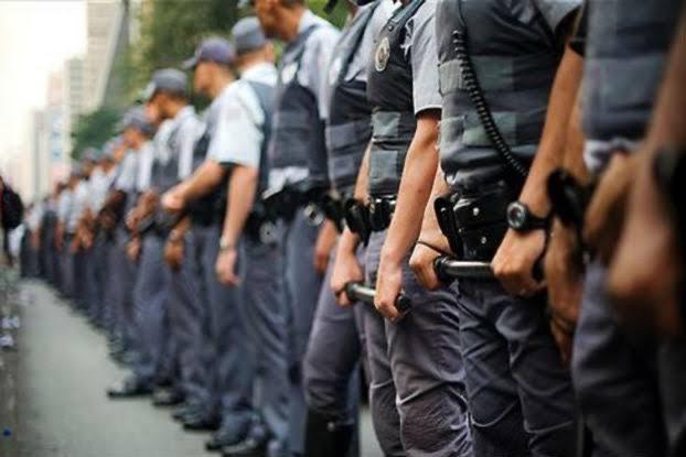 Governador petista da Bahia quer volta de prisão disciplinar de PMs