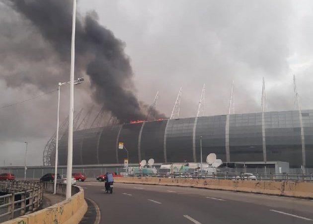 Incêndio controlado na Arena Castelão em Fortaleza