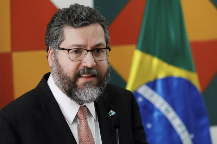 Ernesto Araújo tem primeiro contato com secretário de Estado de Biden e relação Brasil-EUA segue forte