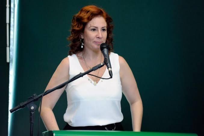 Carla Zambelli quer proibir demissão por justa causa a quem não tomar vacina