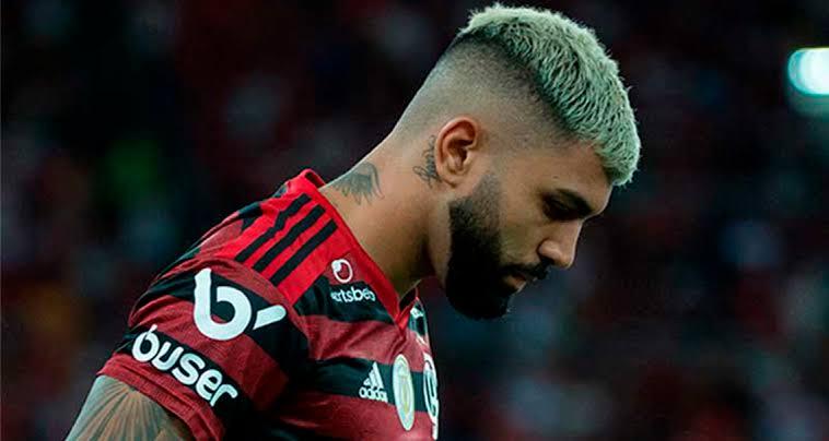 Homem entra na Justiça para rebaixar Flamengo por interferência e violação de regulamento